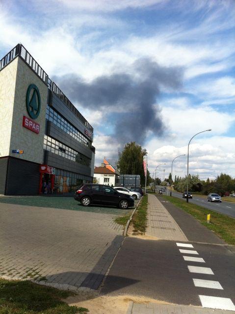 Pożar w Trzebownisku. Ogromne zadymienie i ponad 30 strażaków w akcji - Aktualności Rzeszów