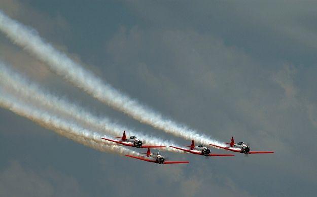 W sobotę Dni otwarte lotniska. Będą pokazy spadochroniarskie, akrobacje samolotowe i loty balonem - Aktualności Podkarpacie