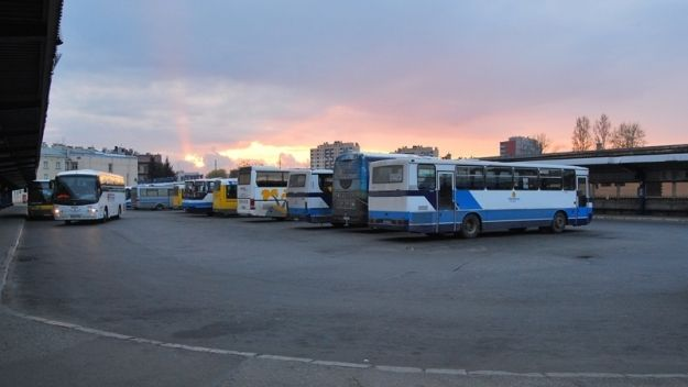 Od jutra zmiany w kursach autobusów PKS - Aktualności Rzeszów
