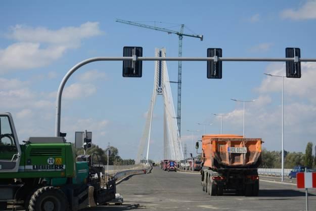 Nowym mostem pojedziemy w październiku - Aktualności Rzeszów