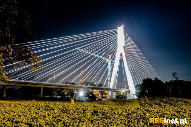 FOTO. Tak świeci Most im. Tadeusza Mazowieckiego - Aktualności Rzeszów