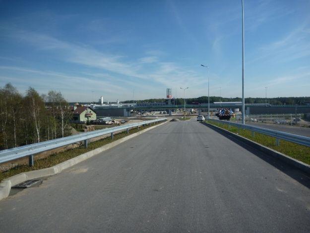 Blokada odcinka drogi do lotniska dłużej niż planowano - Aktualności Rzeszów