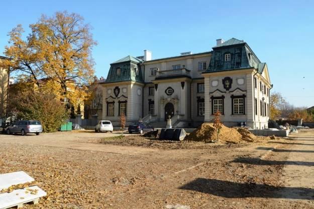 Trwa remont jednego z największych zabytków Rzeszowa. Okręgowa Izba Lekarska odnawia Pałac Lubomirskich - Aktualności Rzeszów