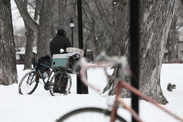 Pomoc dla osób bezdomnych. Działa całodobowa, bezpłatna infolinia - Aktualności Podkarpacie