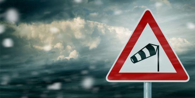 Uwaga! Silny wiatr - w porywach nawet do 80 km/h - Aktualności Podkarpacie