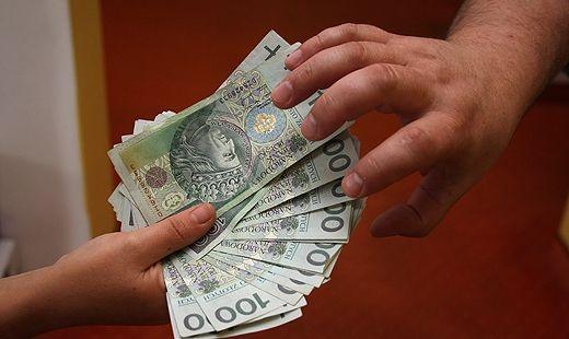 Korupcja kwitnie w samorządach - Aktualności z Kraju