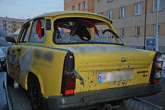 """Zniszczyli """"rajdowy"""" samochód - Aktualności Podkarpacie"""