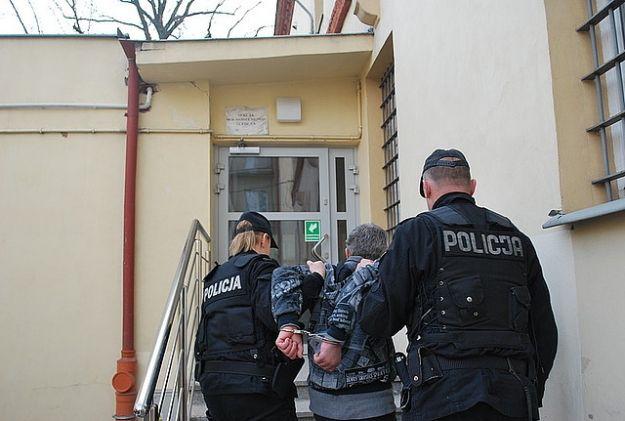 Rzeszowianin zaatakował nożem policjantkę - Aktualności Rzeszów