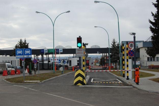 """""""Nielegalny"""" taksówkarz na granicy. Dorabiał, organizując wyjazdy na trasie Lwów - Przemyśl - Aktualności Podkarpacie"""