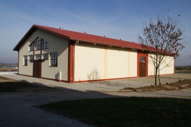 (FOTO) Ujeżdżalnia dla koni w Trzcianie. Inwestycja za ponad 2 mln zł - Aktualności Rzeszów