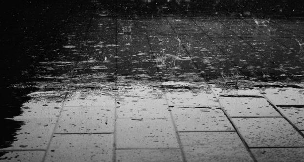 """""""Brudny deszcz"""". Afrykański pył nad Podkarpaciem - Aktualności Podkarpacie"""