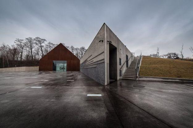 Brytyjski minister odwiedzi Muzeum im. Rodziny Ulmów w Markowej - Aktualności Podkarpacie