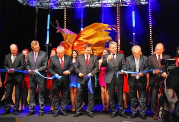 (FOTO) Uroczyste otwarcie nowego terminala w Jasionce - Aktualności Rzeszów