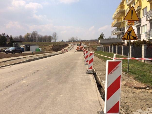 Dodatkowe prace przy budowie drogi od ul. Strzelniczej do Potokowej - Aktualności Rzeszów