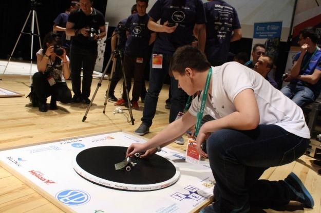W przyszłym tygodniu w  Rzeszowie Międzynarodowe Zawody Robotów - Aktualności Rzeszów