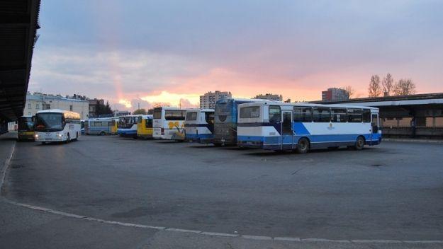 Kursy autobusów PKS w dniu 2 maja - Aktualności Rzeszów