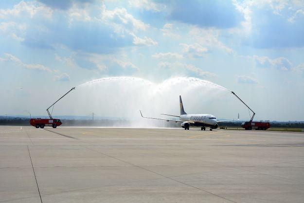 FOTO. Pierwszy samolot z Berlina wylądował w Jasionce. Rusza nowe połączenie - Aktualności Rzeszów