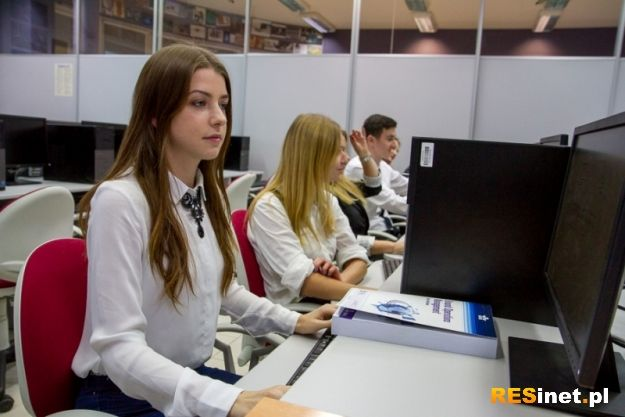 Rzeszowscy studenci pierwsi w Polsce z prestiżowym certyfikatem lotniczym - Aktualności Rzeszów