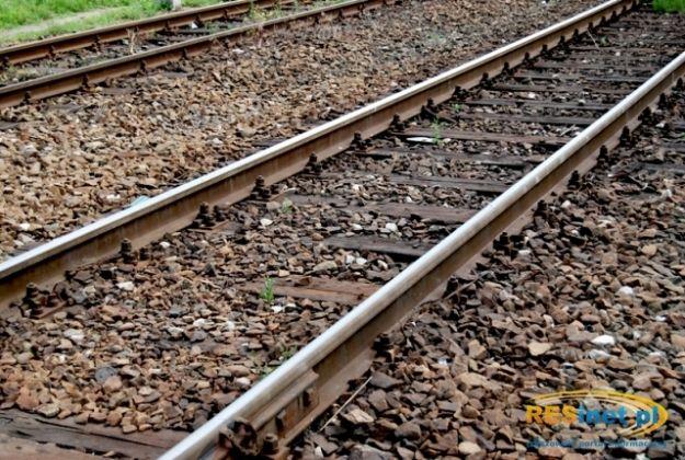 Śmiertelny wypadek na torach w Rzeszowie. Pociąg potrącił kobietę - Aktualności Rzeszów