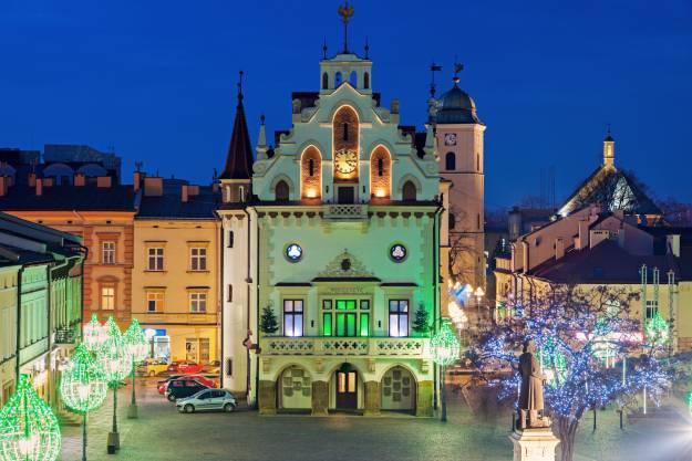 Z Rzeszowa do całej Polski – najlepsze połączenia komunikacyjne z resztą kraju - Aktualności