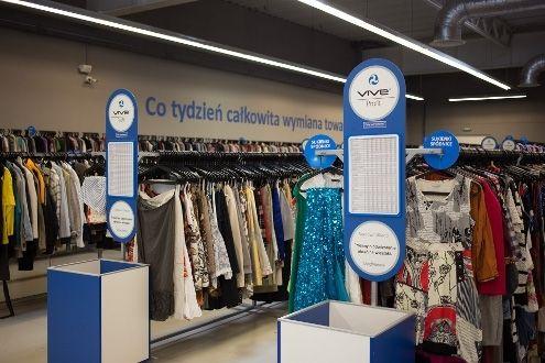 """Nowy sklep z używaną odzieżą. Zakupy zrobisz """"na torby"""". Ile wpakujesz, tyle wyniesiesz - Aktualności Rzeszów"""