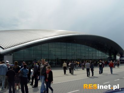 Pasażerowie już korzystają z nowego terminala - Aktualności Rzeszów