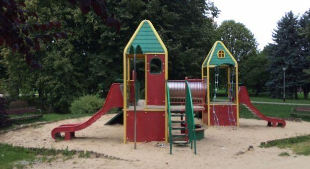 Rozbudowa placu zabaw przy Miłocińskiej - Aktualności Rzeszów