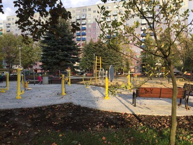 FOTO. Przy ul. Popiełuszki powstał park aktywności dla seniorów. W piątek uroczyste otwarcie - Aktualności Rzeszów