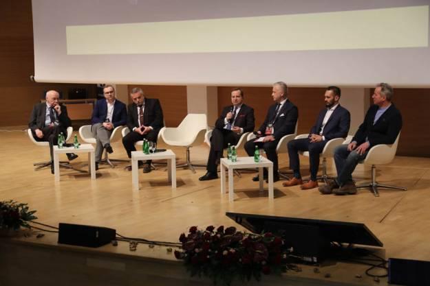 """Debata o gospodarce i rozwoju regionu, czyli trzecia edycja """"Business Without Limits"""" - Aktualności Rzeszów"""