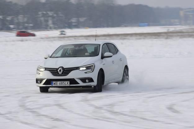 Zima za kierownicą - jak się do niej przygotować - Aktualności