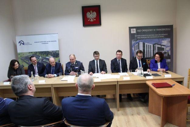 Trzy inwestycje resortu sprawiedliwości na Podkarpaciu. Powstanie nowy sąd, prokuratura i Zakład Karny - Aktualności Podkarpacie