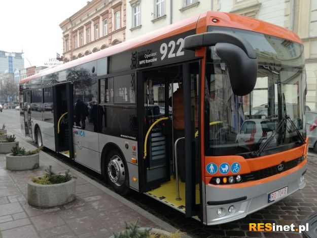 W Rzeszowie pojawił się pierwszy z 50 nowych autobusów. W planach miasta 100 autobusów elektrycznych - Aktualności Rzeszów