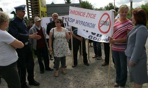 Piesi protestowali na drodze nr 9 - Aktualności Podkarpacie