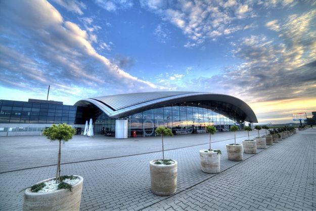 Ruszają połączenia autobusowe ze Słowacji na lotnisko w Jasionce. 33 euro za bilet w obie strony - Aktualności Rzeszów