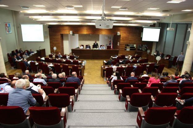 Odbyły się dwie sesje nadzwyczajne sejmiku. Tematem debaty była aktualna sytuacja podkarpackich szpitali - Aktualności Rzeszów