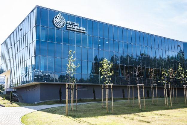 Otwarto nowy budynek Wydziału Zarządzania na Politechnice Rzeszowskiej [ZDJĘCIA] - Aktualności Rzeszów