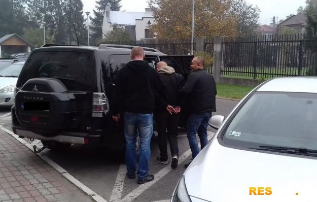 Rzeszowska Policja rozbiła grupę przestępczą. Zajmowali się nielegalną dystrybucją papierosów bez akcyzy - Aktualności Rzeszów