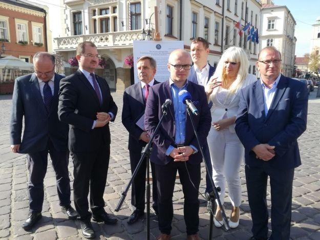 Wojciech Buczak wytyka prezydentowi Ferencowi podpisanie deklaracji w sprawie uchodźców - Aktualności Rzeszów