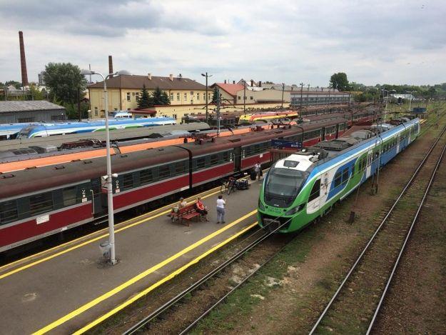 Urząd Marszałkowski chce zamówić 10 pociągów. Obsłużą tabor Podmiejskiej Kolei Aglomeracyjnej - Aktualności Rzeszów