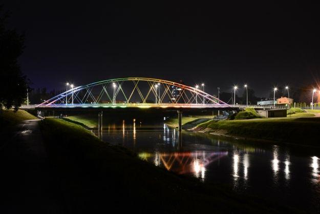 25-latek skoczył z mostu Narutowicza. Chwilę wcześniej wyszedł ze szpitala - Aktualności Rzeszów