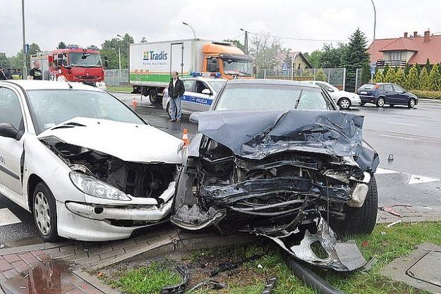 4 samochody uszkodzone w zderzeniu - Aktualności Rzeszów