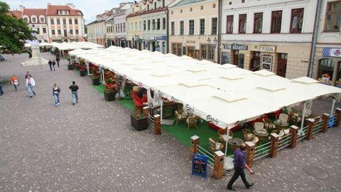 """Zakażą palenia pod """"parasolkami"""" w rynku? - Aktualności Rzeszów"""