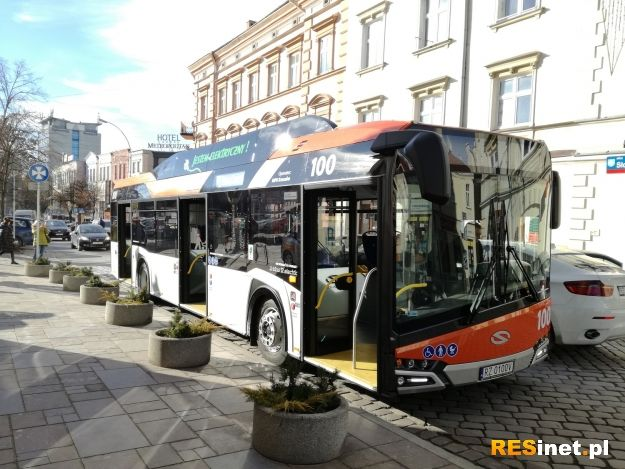 Autobusy elektryczne wyjechały na ulice Rzeszowa. Będą również dodatkowe stacje ładowania [ZDJĘCIA] - Aktualności Rzeszów