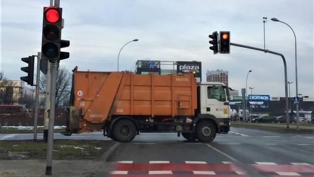 Od kwietnia nowe zasady segregacji śmieci. Do marca cena za odpady bez zmian  - Aktualności Rzeszów
