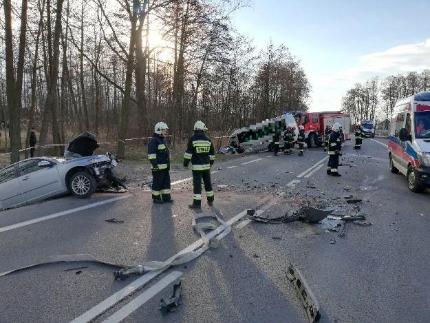 Po zderzeniu busa z osobówką 11 rannych trafiło do szpitali - Aktualności Podkarpacie