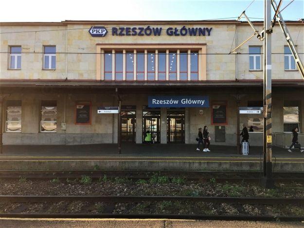 W połowie 2019 r. ruszy przebudowa stacji Rzeszów Główny. Powstanie m.in. tunel pod torami - Aktualności Rzeszów