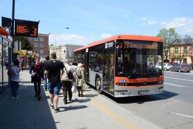Świąteczne kursy autobusów i dodatkowy przystanek dla linii nr 2 i 47 - Aktualności Rzeszów