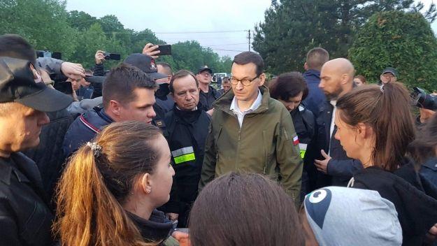 Premier Mateusz Morawiecki odwiedził zalane tereny powiatu mieleckiego - Aktualności Podkarpacie
