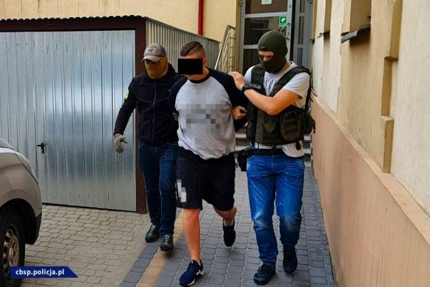 Ukryli narkotyki w zbiorniku paliwa. Zatrzymano czterech mieszkańców Rzeszowa - Aktualności Rzeszów