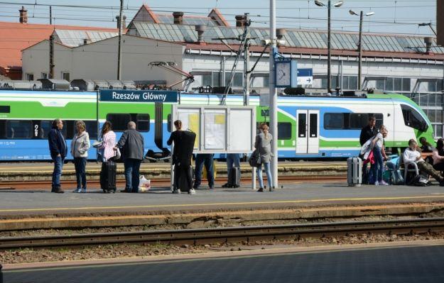 Wiemy kto dostarczy pociągi dla tras Podmiejskiej Kolei Aglomeracyjnej  - Aktualności Rzeszów